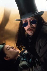 """""""Sì, indosso degli occhialini molto steampunk! Problemi? Vuoi che te mozzico?"""""""
