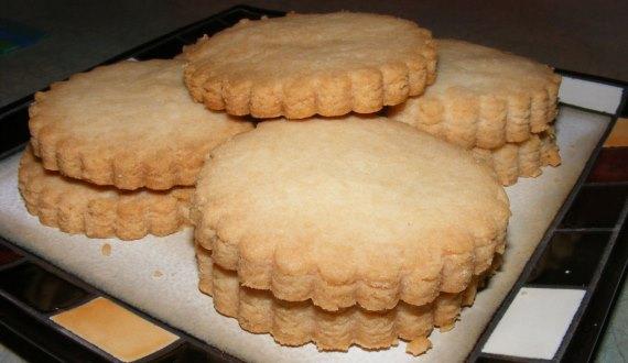 scottish-shortbread_plated