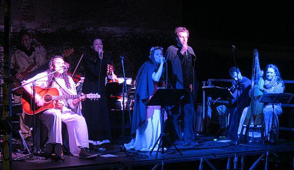 Gli Ainur sul palco di Osasco.
