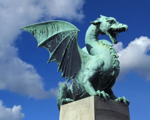 Soltanto in età paleo-cristiana assistiamo a un netto mutamento circa la simbologia di cui il drago si fa carico che vira verso una direzione sempre più negativa fino a coincidere con l'animale satanico per eccellenza.