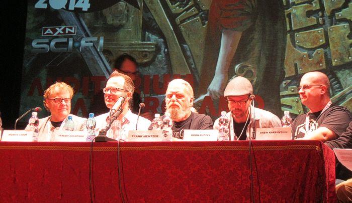 Da sinistra: Monte Cook, Jeremy Crawford, Frank Mentzer, Robh Ruppel e Drew Karpyshyn. E scusate se è poco