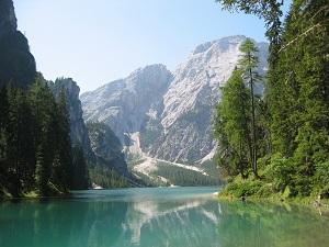 Lago di Braies e Sass dla Porta, luoghi simbolici per eccellenza delle leggende ladine