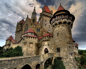 Burg Kreuzenstein, noto anche come Saenctum