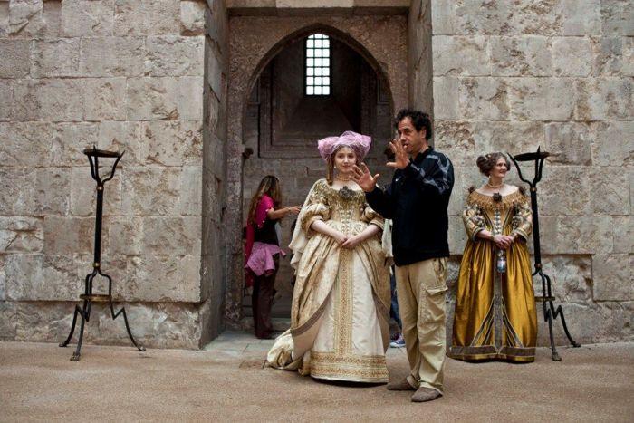 Garrone con Bebe Cave, straordinaria interprete della Principessa.
