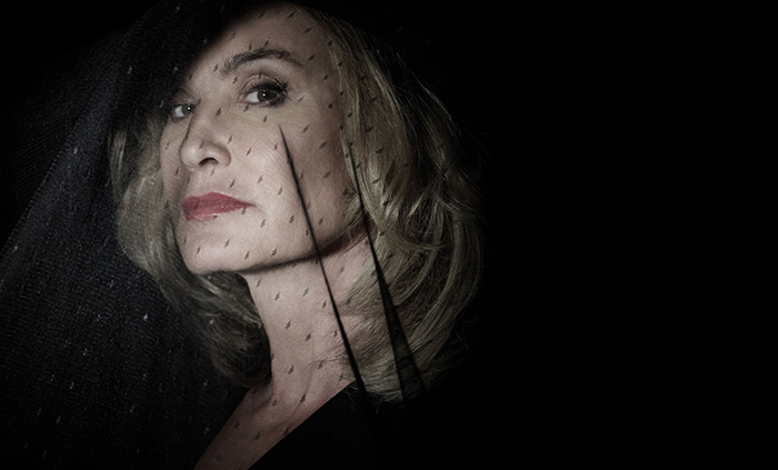 american-horror-story-hotel-5-jessica-lange