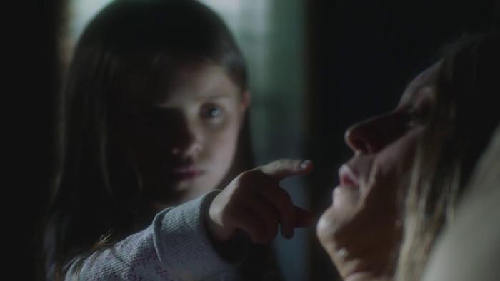 outcast-1x01-teaser_en