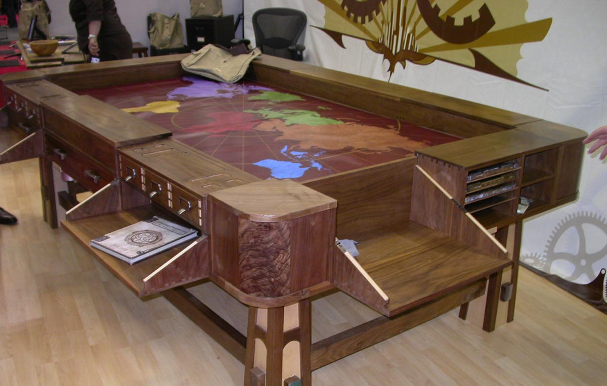 acquistereste dei tavoli da boardgame e gdr prodotti da
